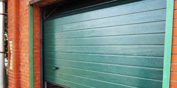 Ремонт и замена подъемных ворот для гаража Alutech