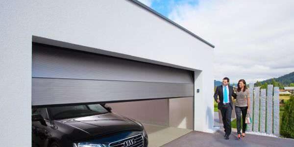 Ремонт секционных ворот для гаража Alutech