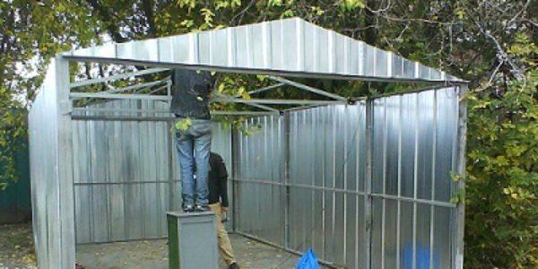 Как построить гараж из металлопрофиля своими руками