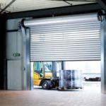 Установка роллетных промышленных ворот для гаража