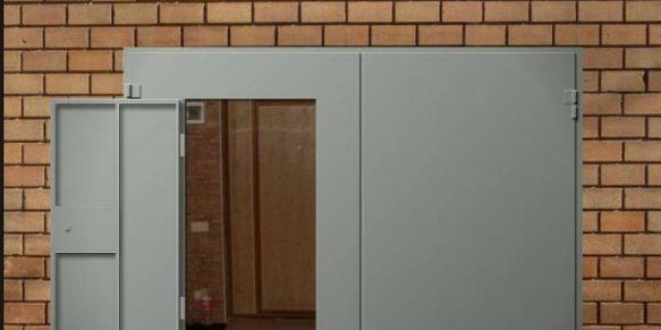 Дверь для гаража (калитка для ворот)